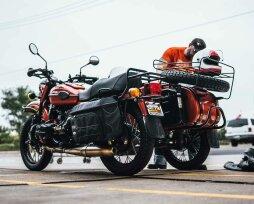 Правила перевозки детей на мотоцикле: требования и рекомендации
