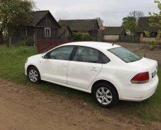 Volkswagen Polo — хороший автомобиль для поездок на дачу, работу и путешествий