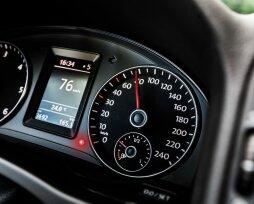 Значение знаков на приборной панели автомобиля: внешний вид и расшифровка