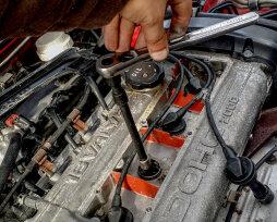 Как лучше менять свечи зажигания: на холодном или горячем двигателе