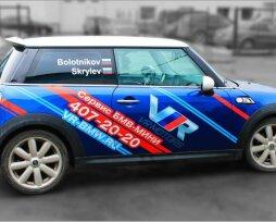Из чего делают наклейки на авто для рекламы, куда можно клеить спонсорские брендированные наклейки
