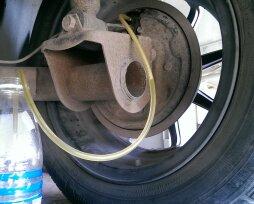 Причины утечки тормозной жидкости заднего колеса на «Ладе Калине»