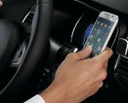Как закрепить планшет, телефон, регистратор  в автомобиле на торпеде