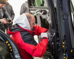 Как можно устранить скрип пластика в салоне автомобиля: эффективные методы и рекомендации