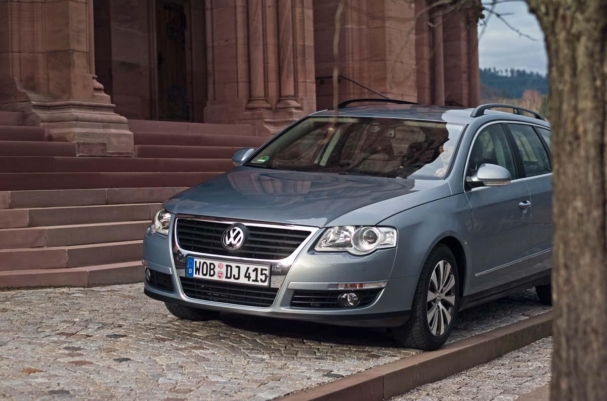 Серый Volkswagen Passat Ecofuel