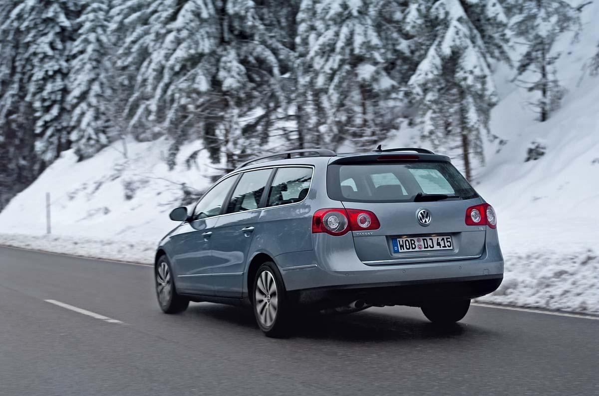 Volkswagen Passat Ecofuel сзади