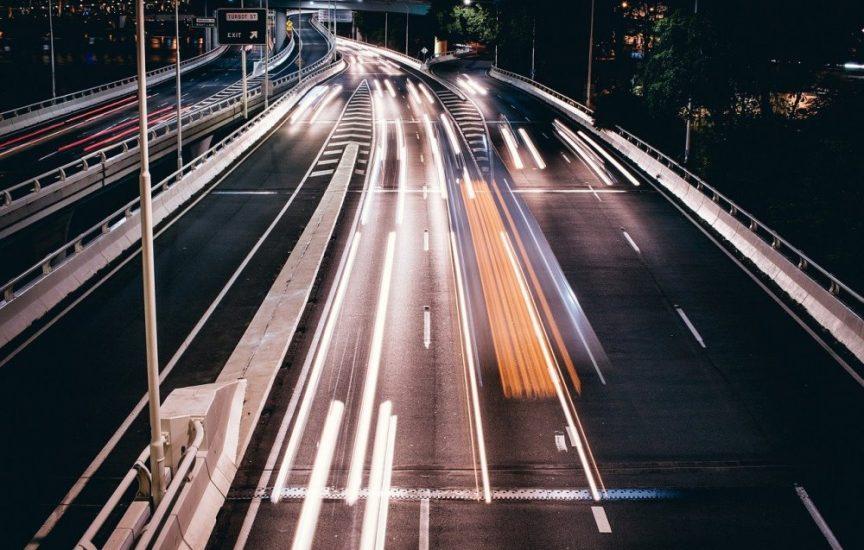 Движение по скоростным автомагистралям