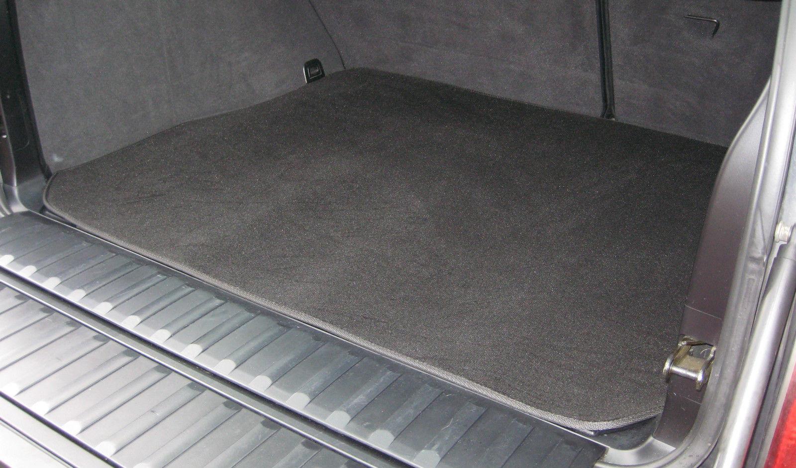 Влагоотталкивающий коврик в багажник Лады Весты