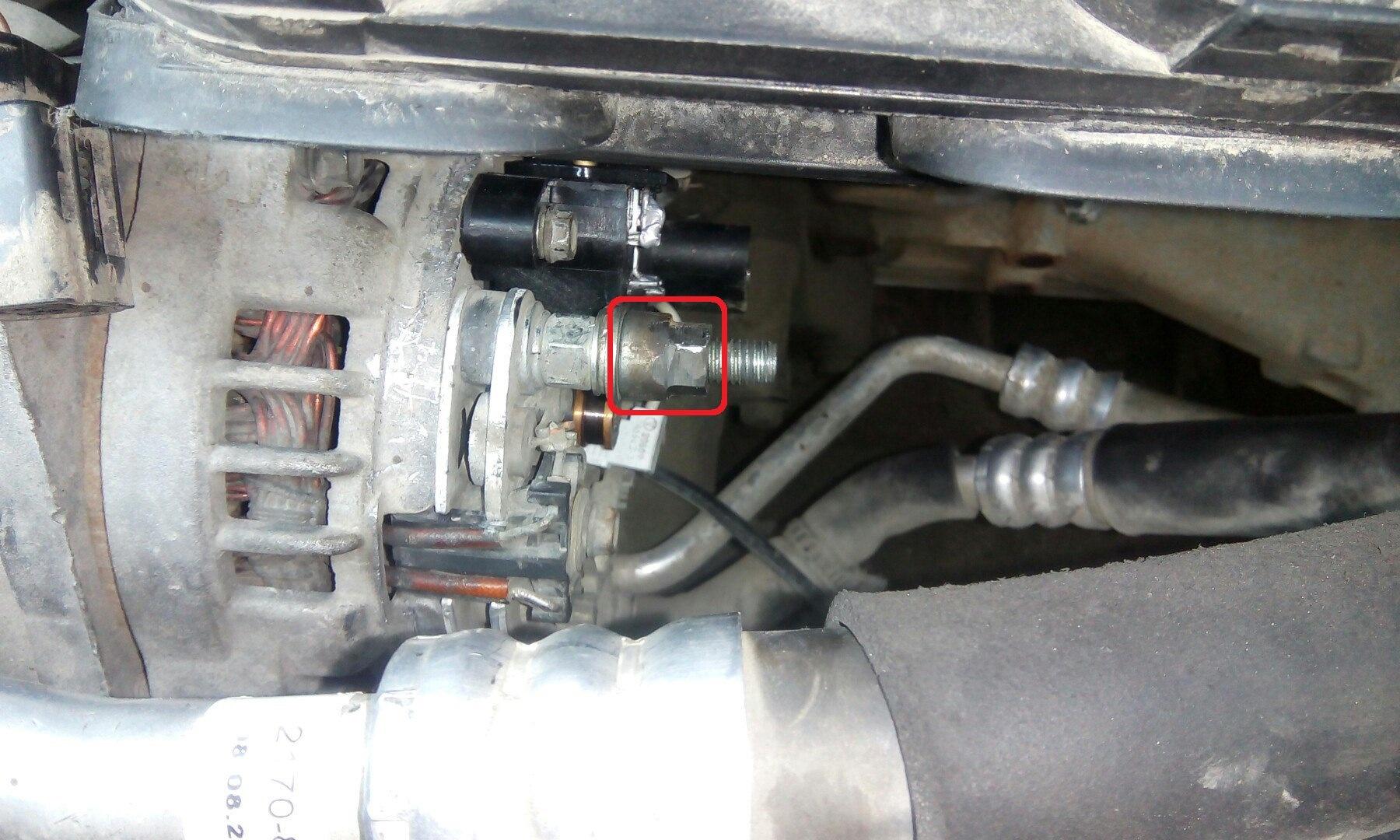 Замена регулятора напряжения (щеток) без снятия генератора
