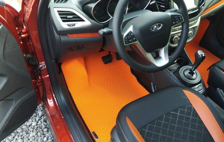 Оранжевые коврики на Весту