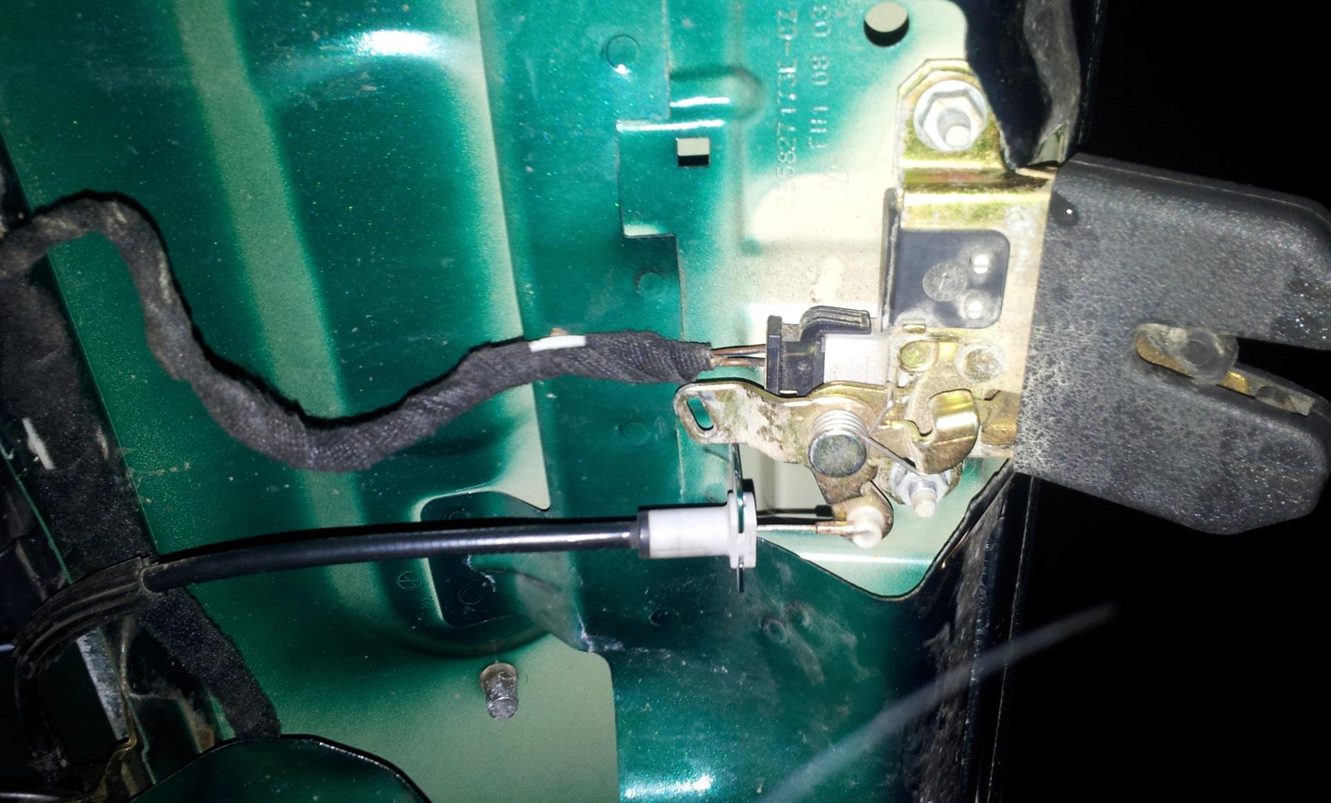 Ремонт замка багажника