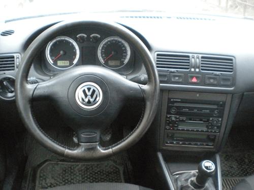 Volkswagen Bora — надежная машина С-класса начала 2000-х