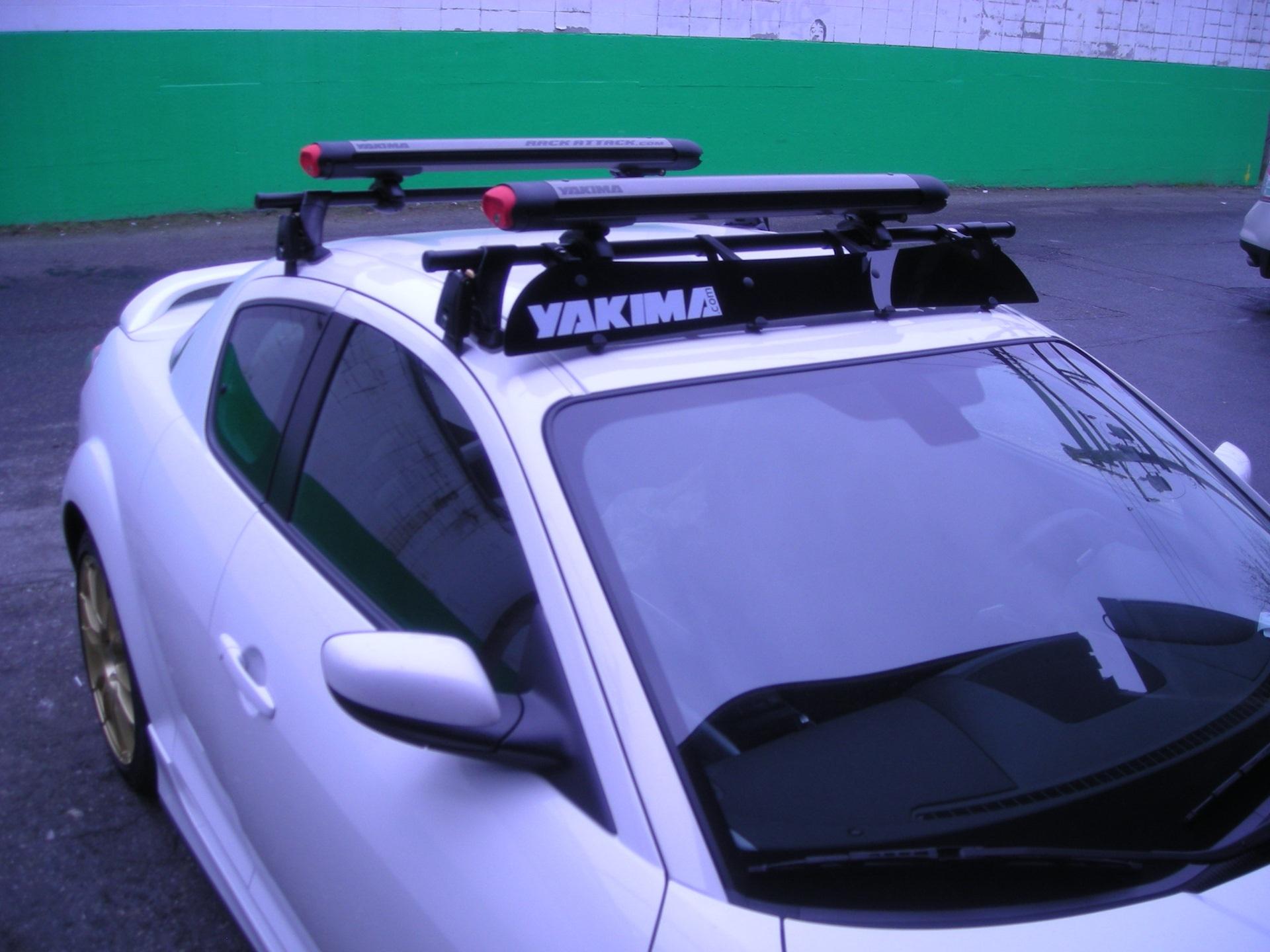Багажник на крышу автомобиля компании Yakima