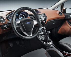 Ford Fiesta 2015 салон