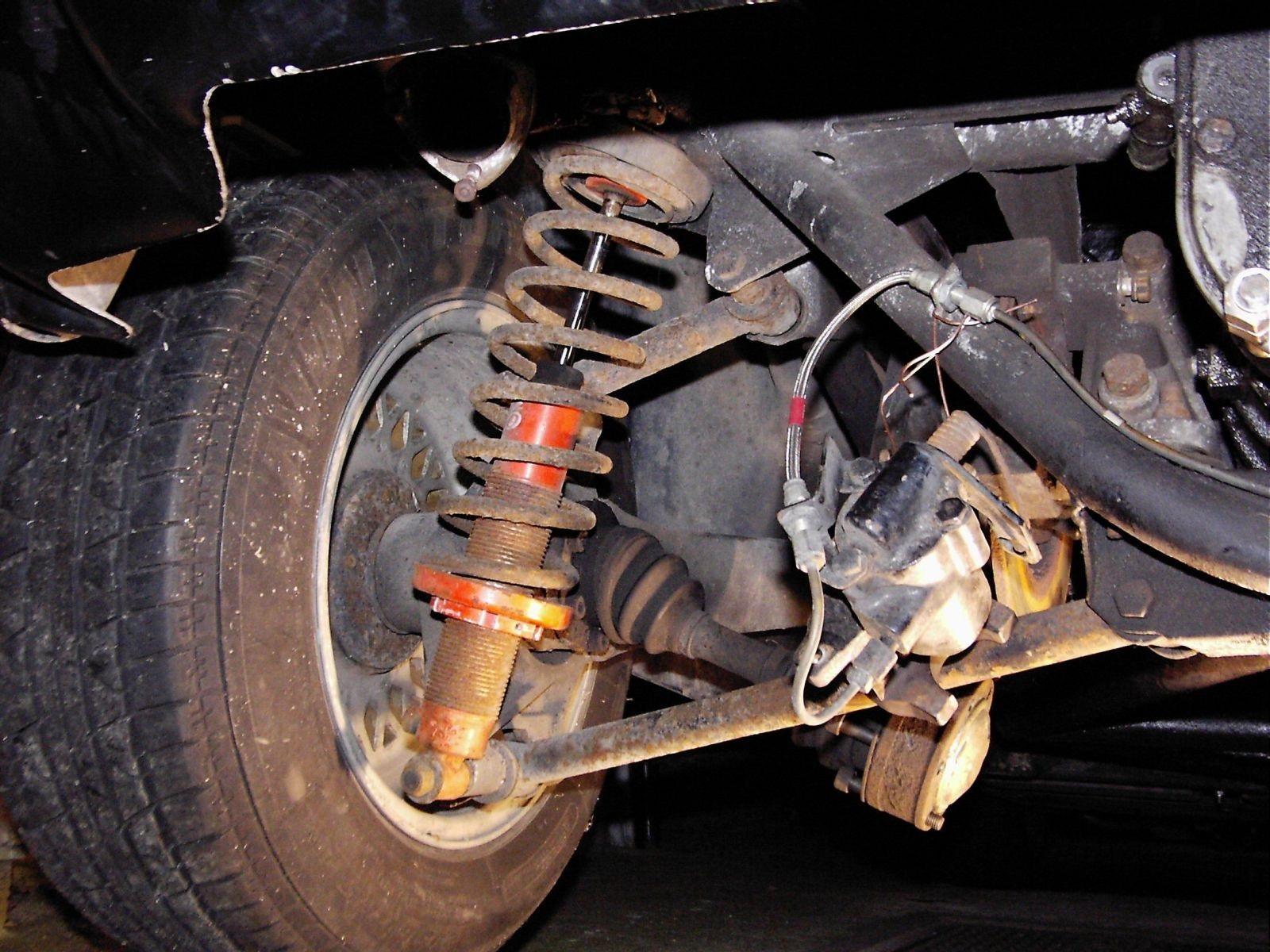 гранта колесо при повороте издает звук