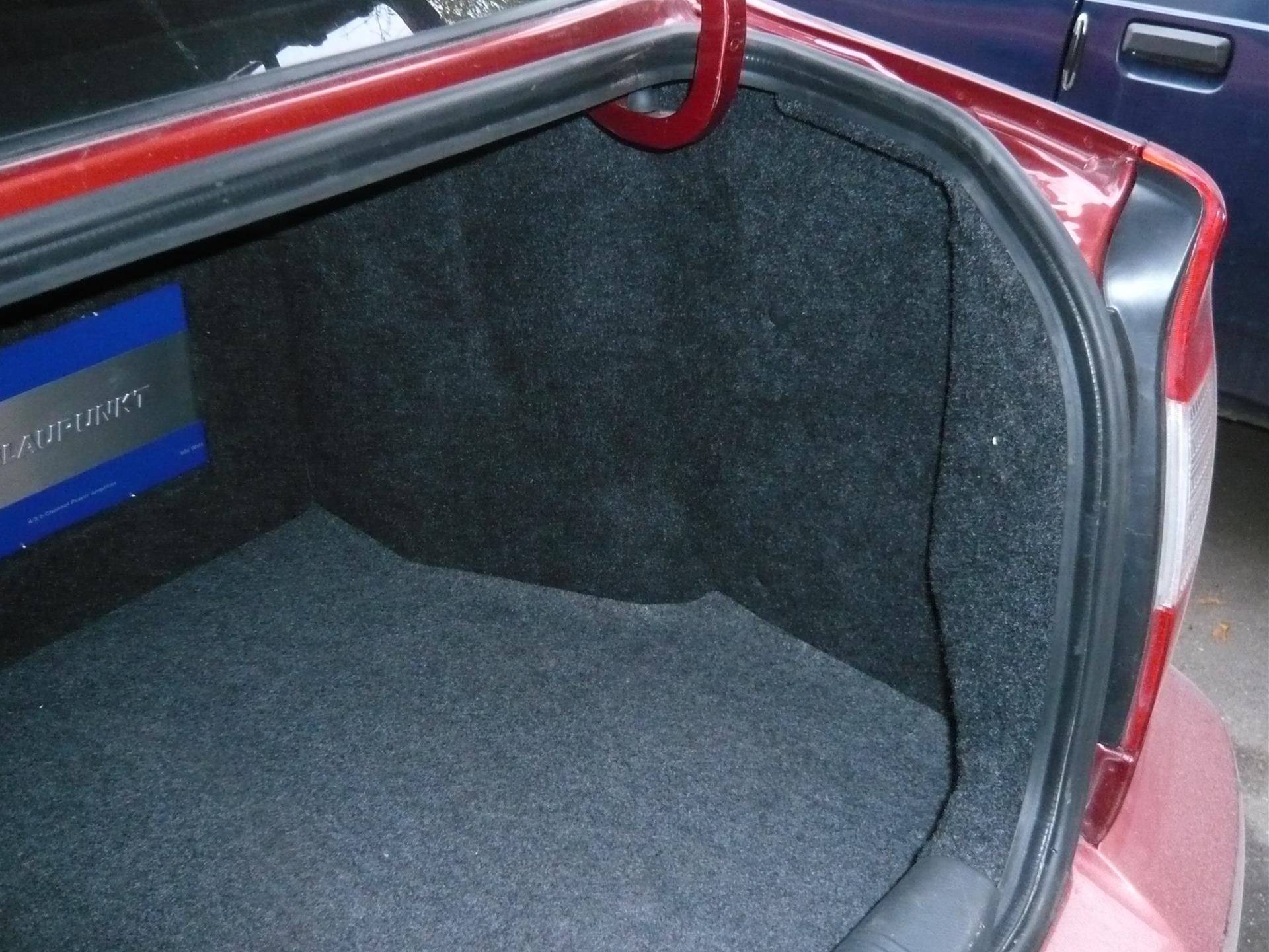 Как выбрать материал для обшивки багажника автомобиля