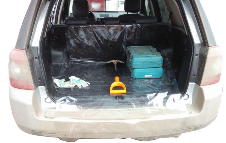 Как защитить багажник автомобиля от царапин и грязи