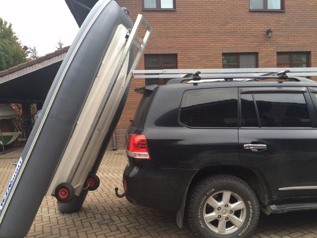 Крепление для перевозки лодки на крыше авто