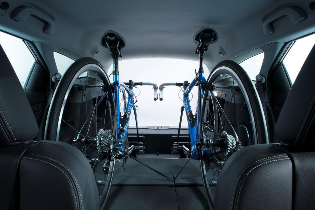 Перевозка велосипеда в салоне