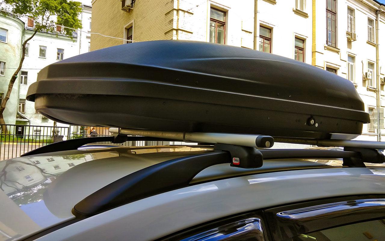 Разновидности пластиковых багажников на крышу