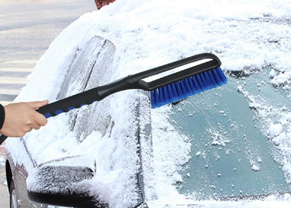 Щетка от снега и наледи