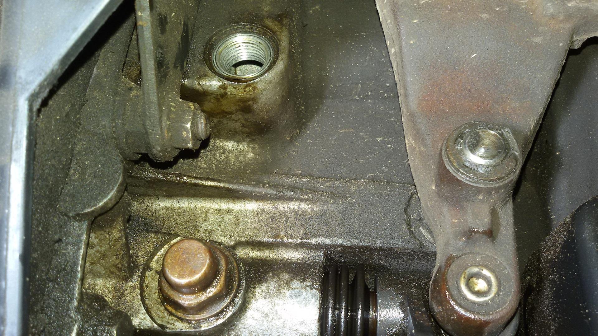 Сливная пробка коробки Ford Fiesta
