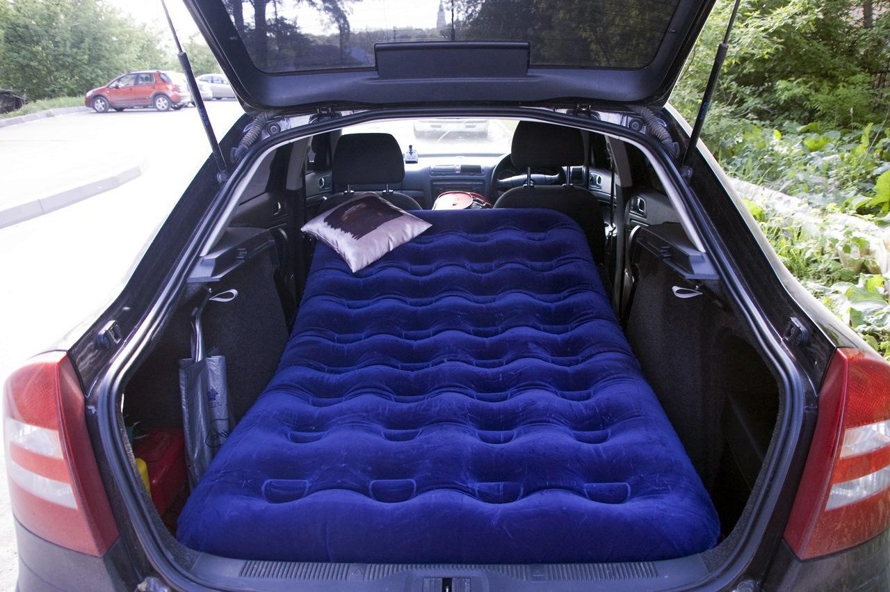 Спальное место в автомобиле