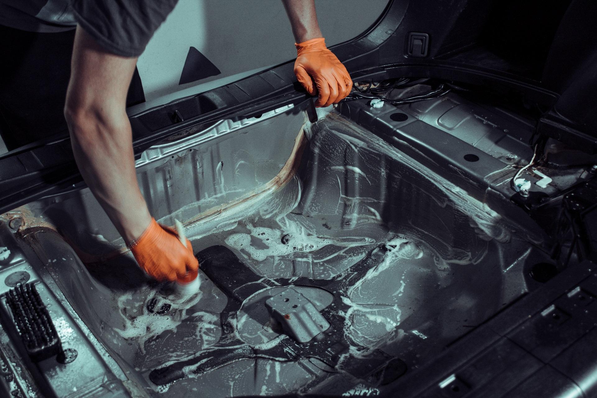 уборка в багажнике авто
