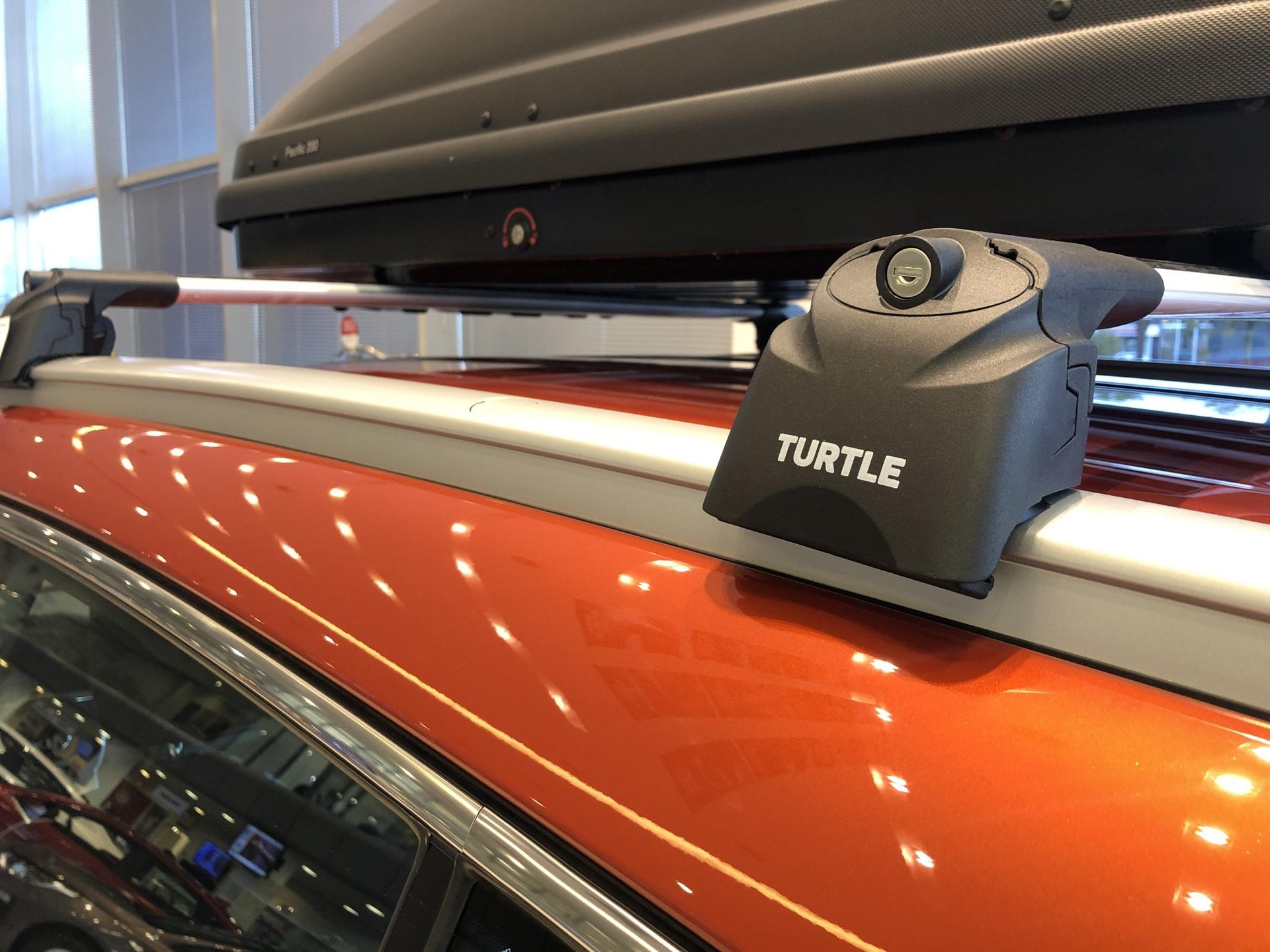 Установка багажника на машину с интегрированными рейлингами