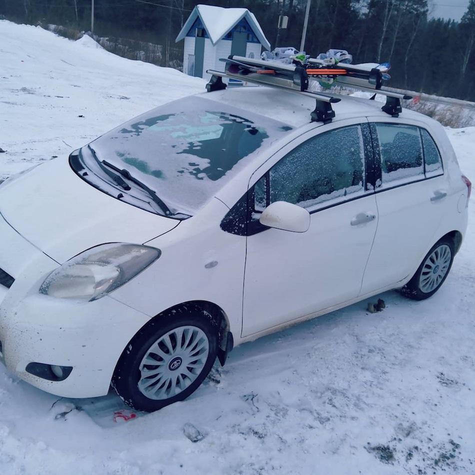 багажник на крышу Toyota Yaris
