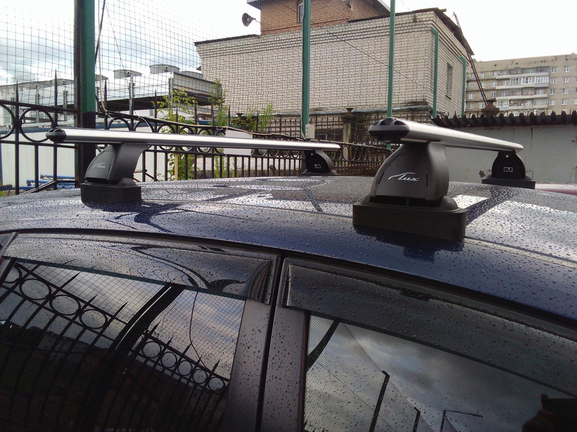 Багажник Lux «Трэвел» 82 на крышу Suzuki Liana универсал
