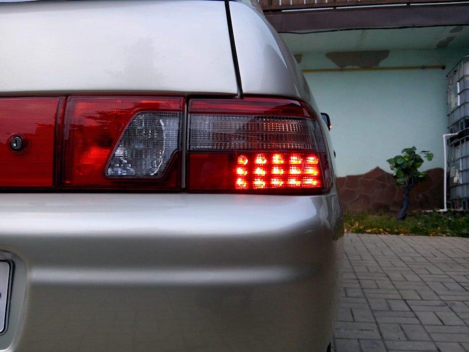 фонарь на багажник авто ксеноновый