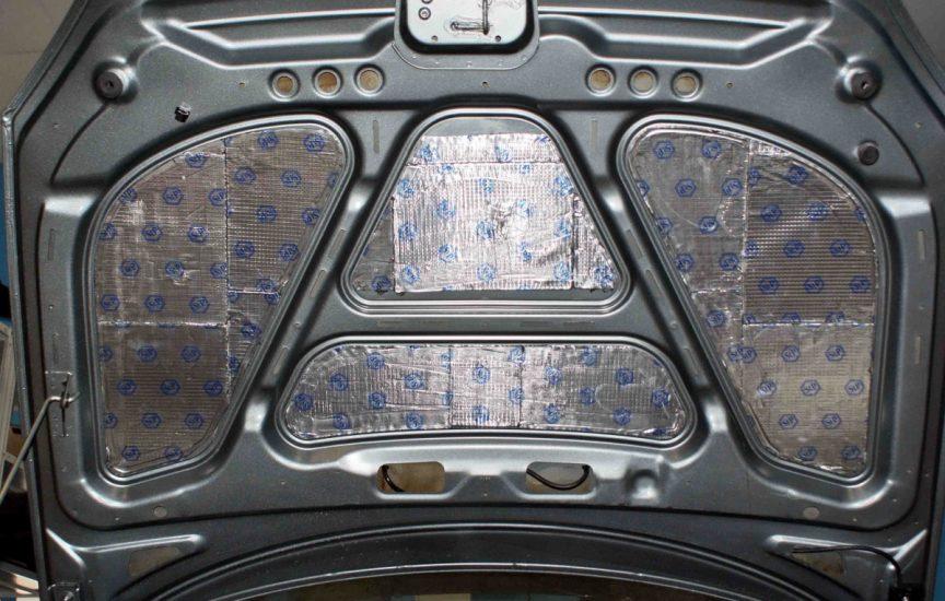 шумоизоляция автомобиля капота своими руками