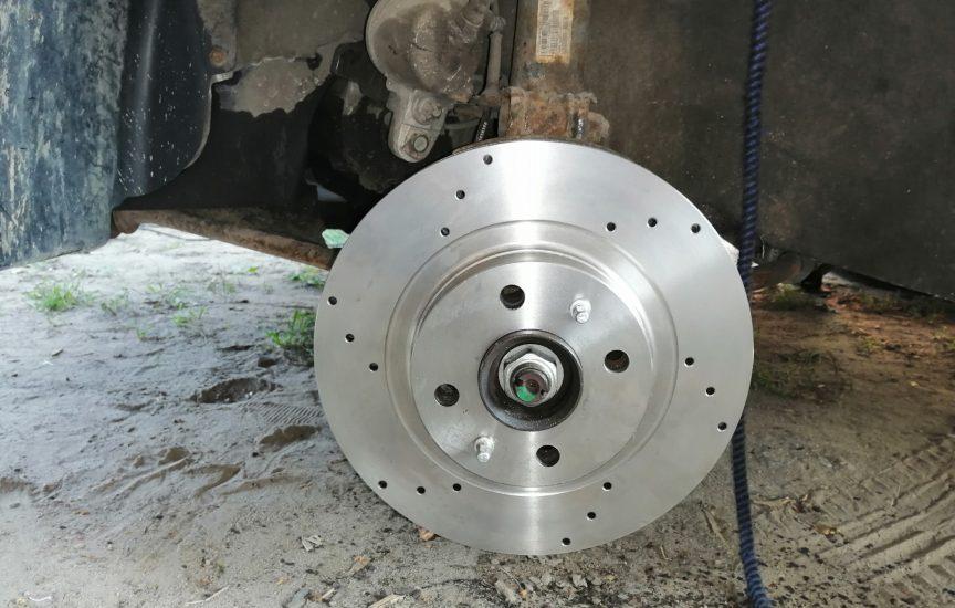 Сколько ходят тормозные диски на «Ладе Гранта», как заменить
