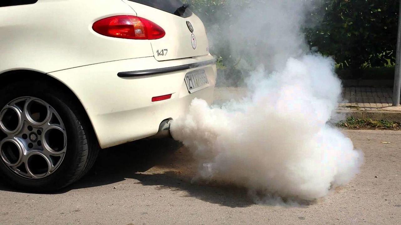 Выхлопные газы от машин
