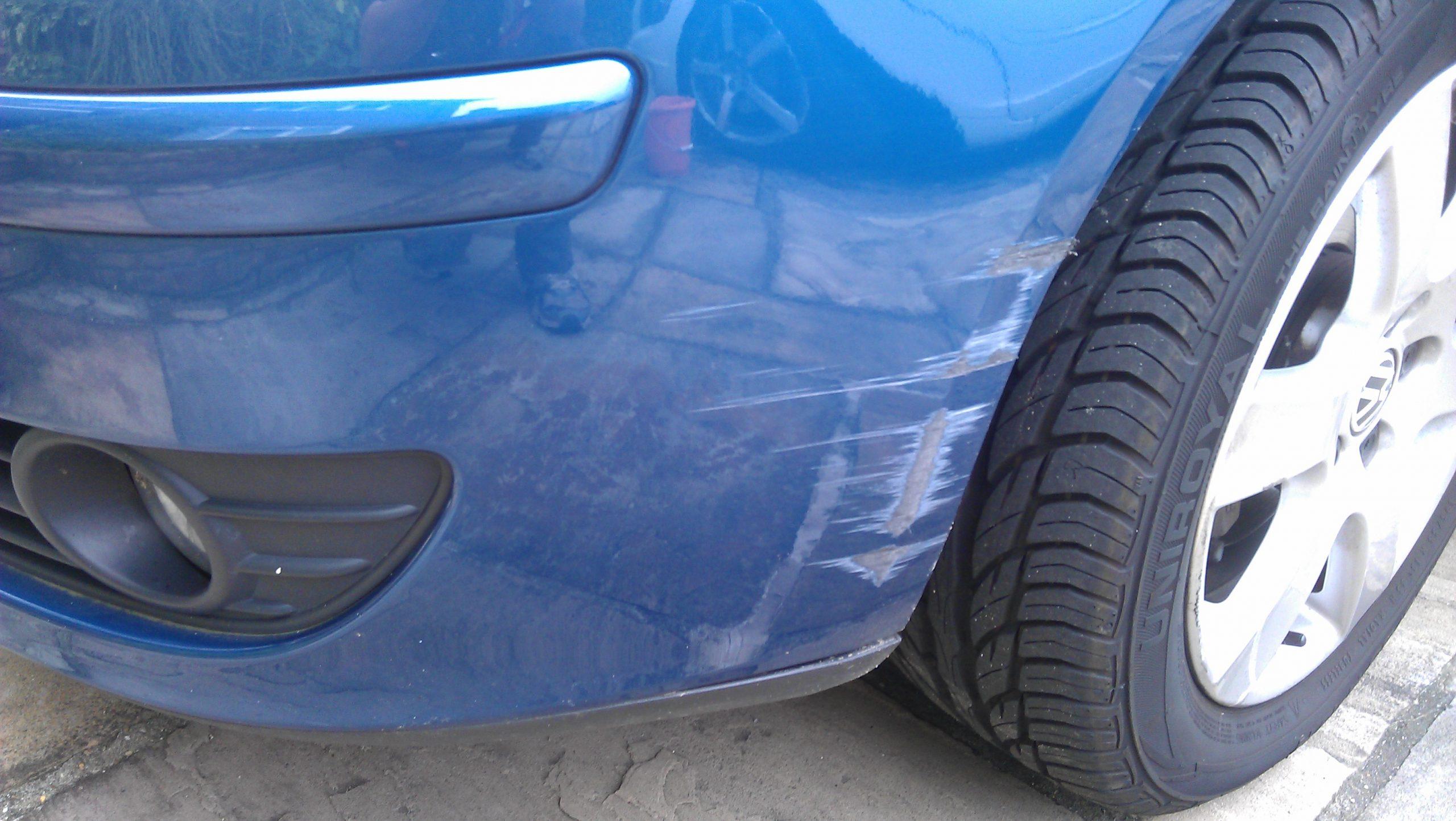 Закрасить царапину на бампере машины своими руками