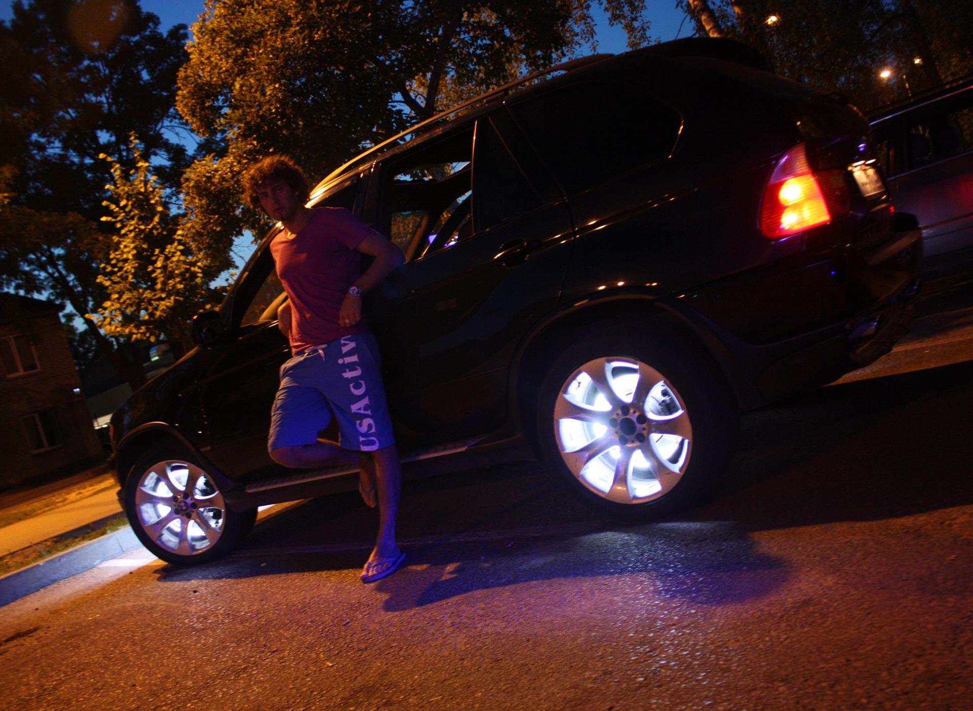Подсветка на колесные диски