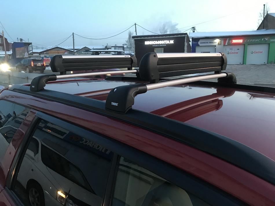 Багажник Thule WingBar Edge на Subaru Forester
