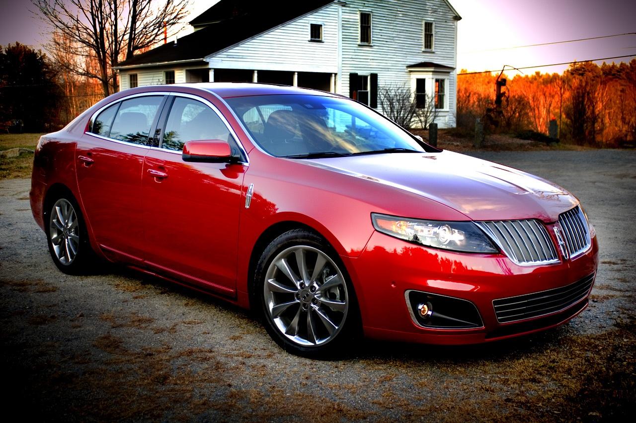 Автомобиль Lincoln MKS