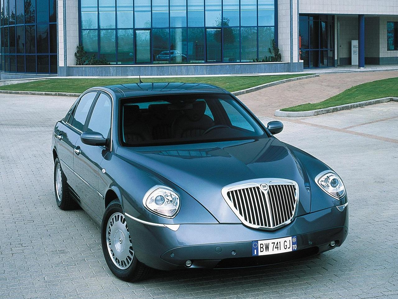 Автомобиль Лянча 2001