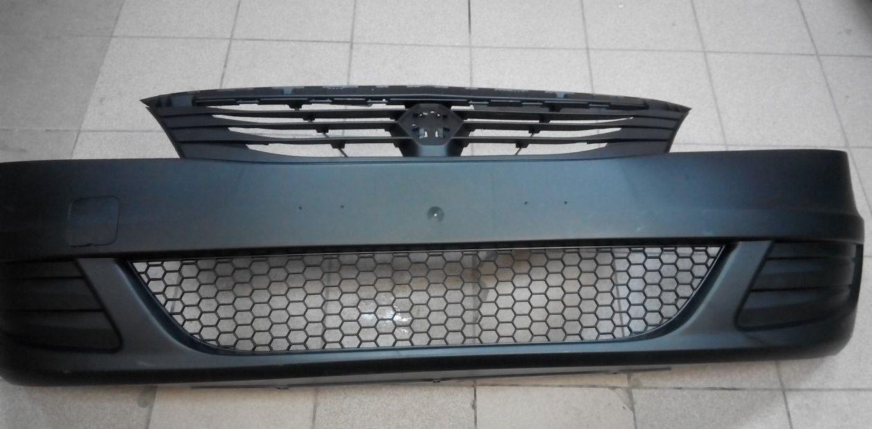 Бампер с радиаторной решеткой