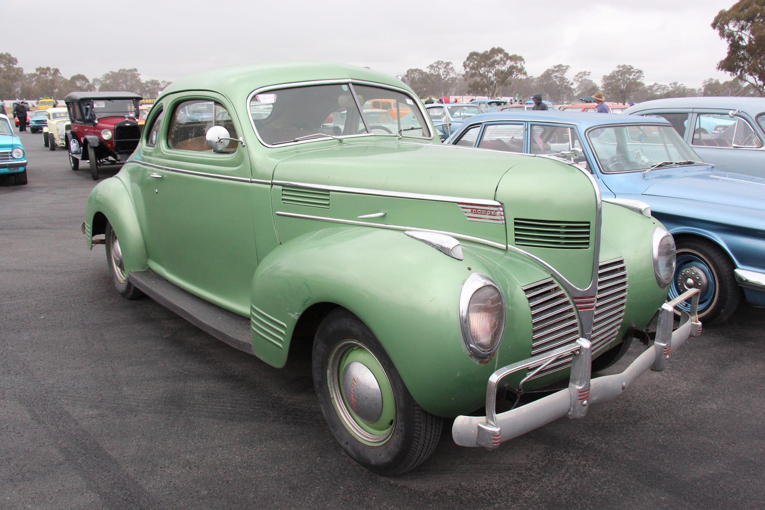 Dodge Luxury Liner 1939