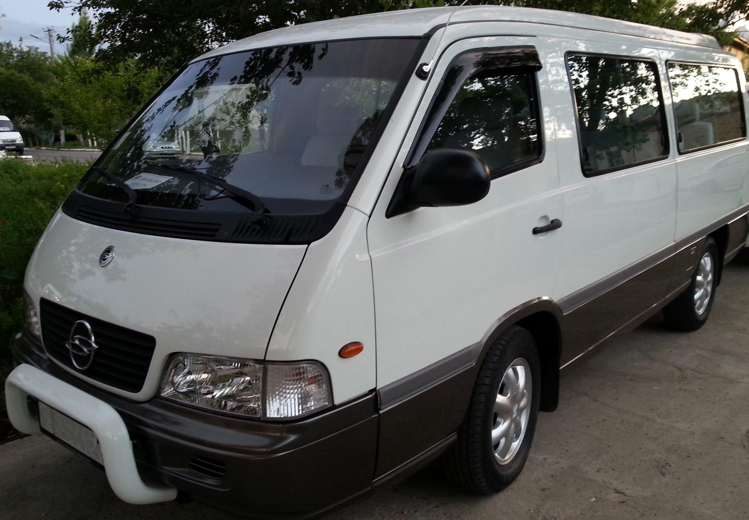 Микроавтобус SsangYong Istana