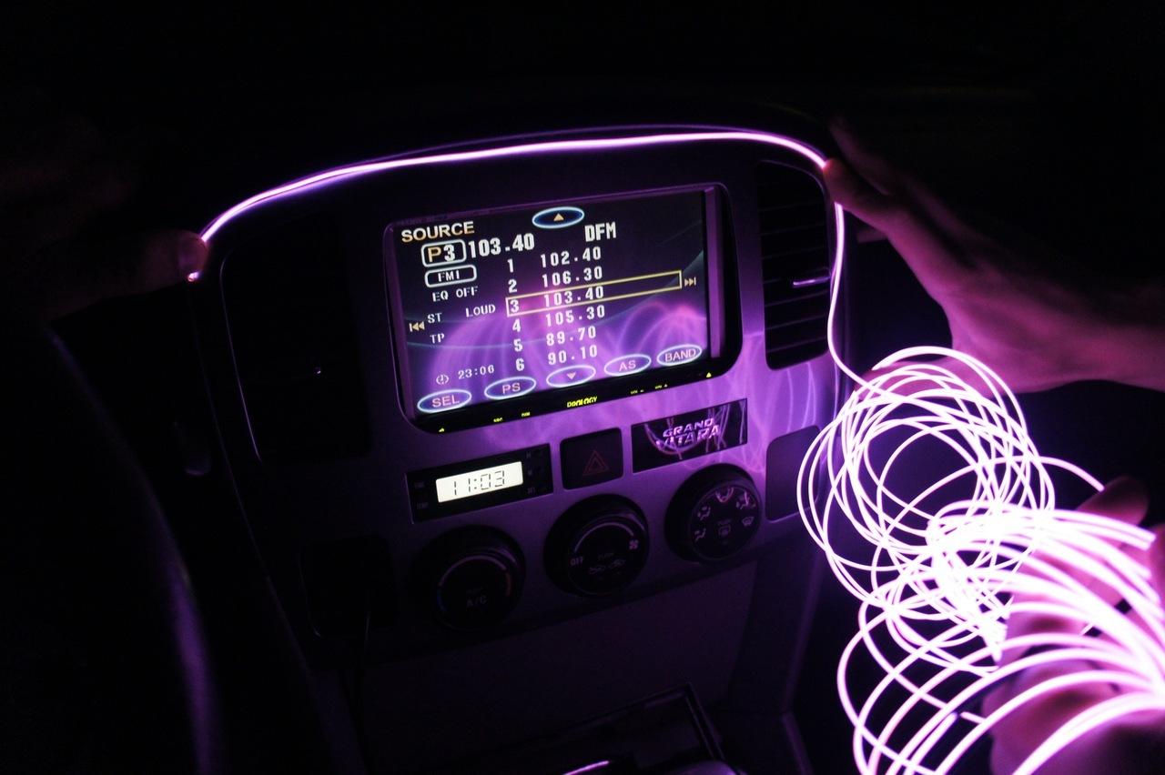 Неоновая подсветка в салон авто