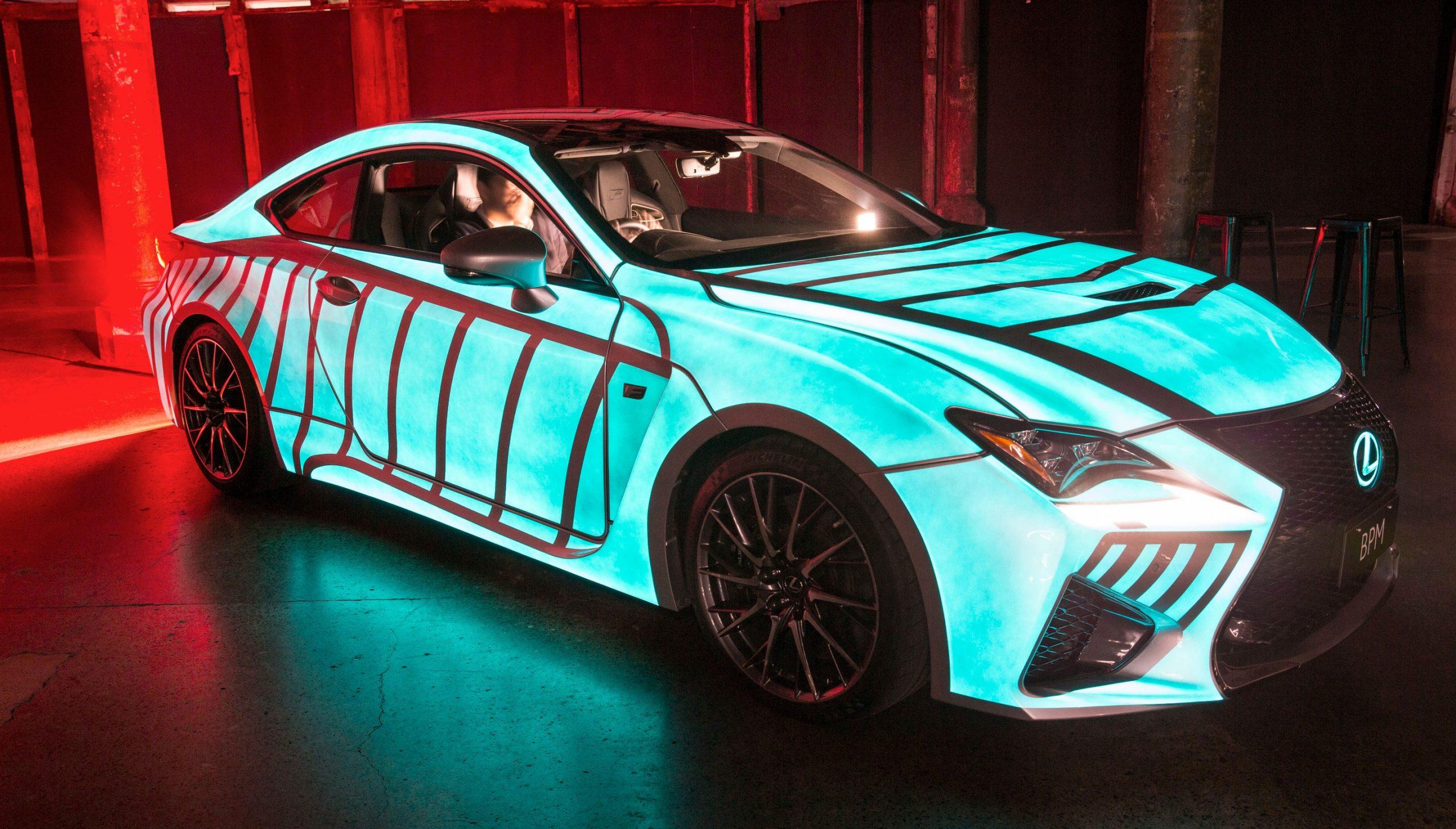 Светодиодная краска на автомобиле