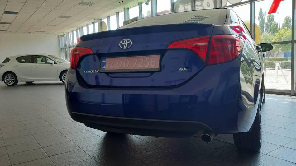 Задний бампер Toyota SD Corolla