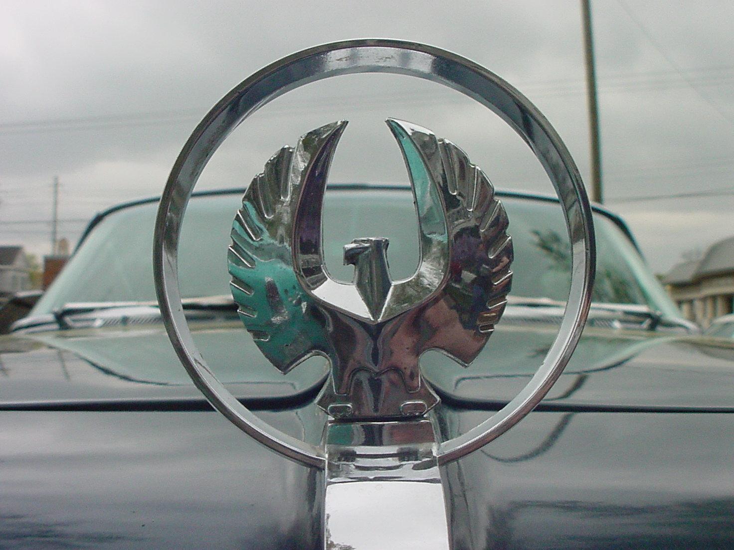 логотип и шильдик Imperial