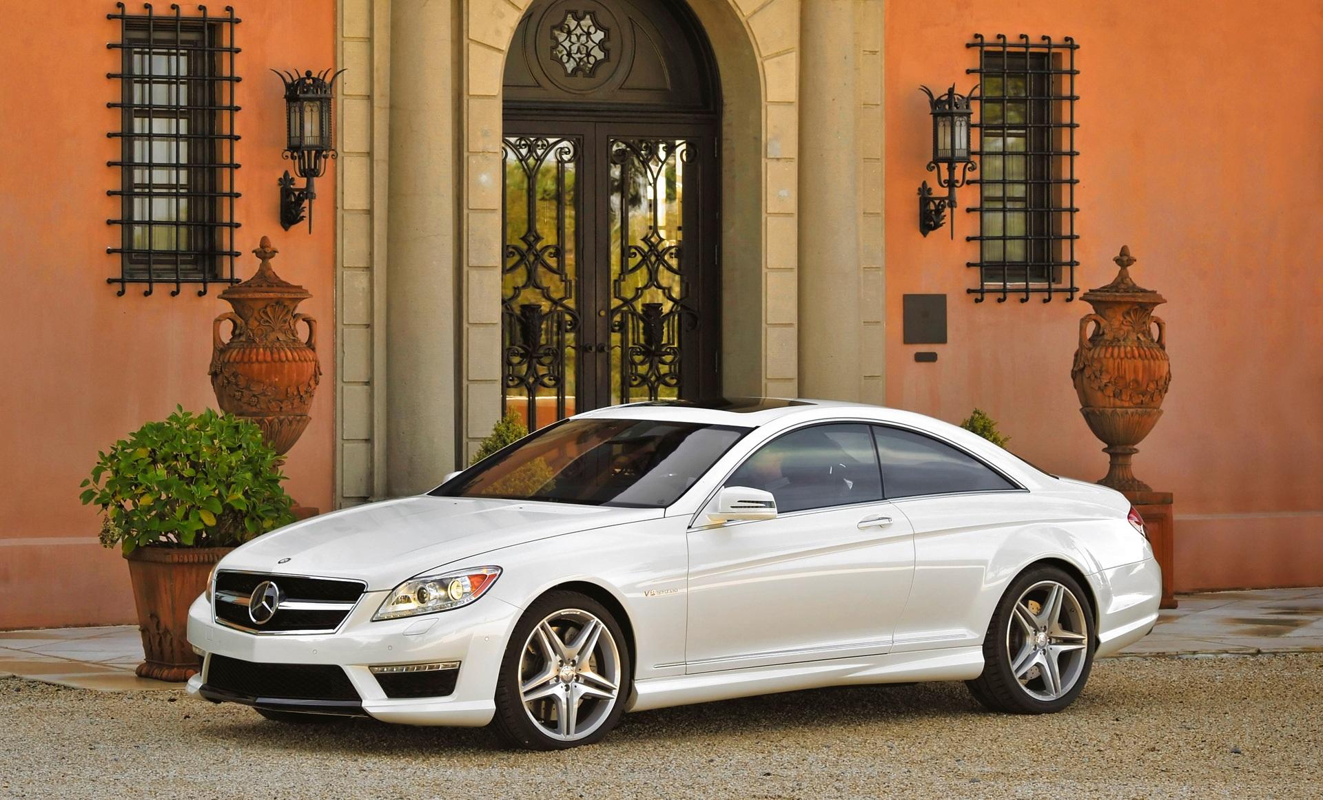 Машина Mercedes-Benz