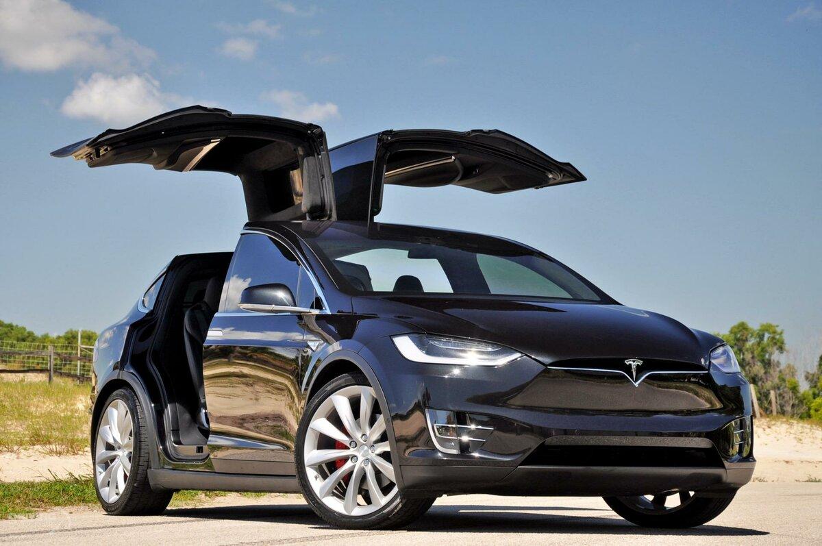 Model X – первый кроссовер «Теслы»