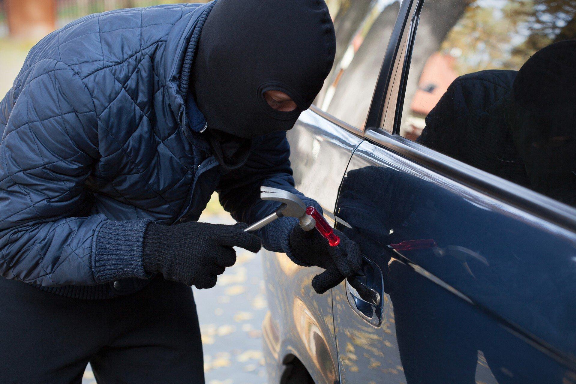 угоняют ли машины без номеров